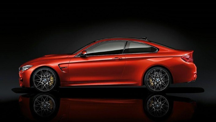 BMW M4 Coupe (2019) Exterior 006