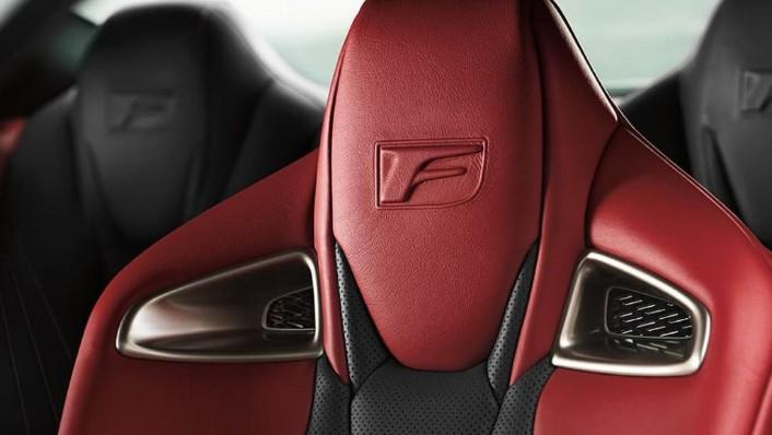 Lexus RC F (2020) Interior 008