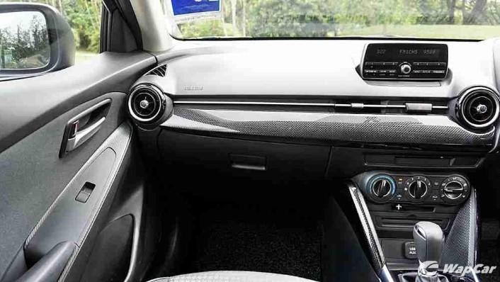 2018 Mazda 2 Hatchback 1.5 Hatchback GVC Mid-spec Interior 003