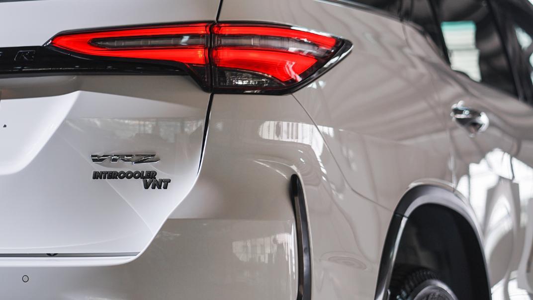 2021 Toyota Fortuner 2.8 VRZ AT 4x4 Exterior 008