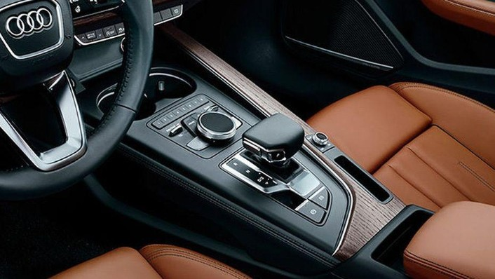 Audi A4 (2019) Interior 003