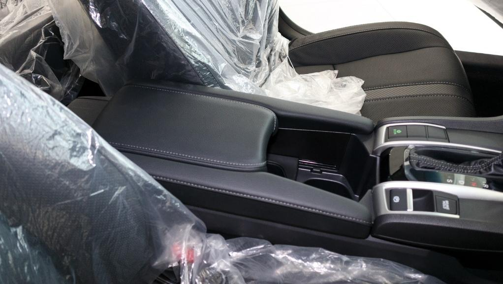 2018 Honda Civic 1.5TC Premium Interior 044