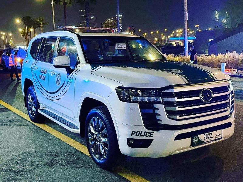 2022 Toyota Land Cruiser 300 joins the Dubai Police Force 02