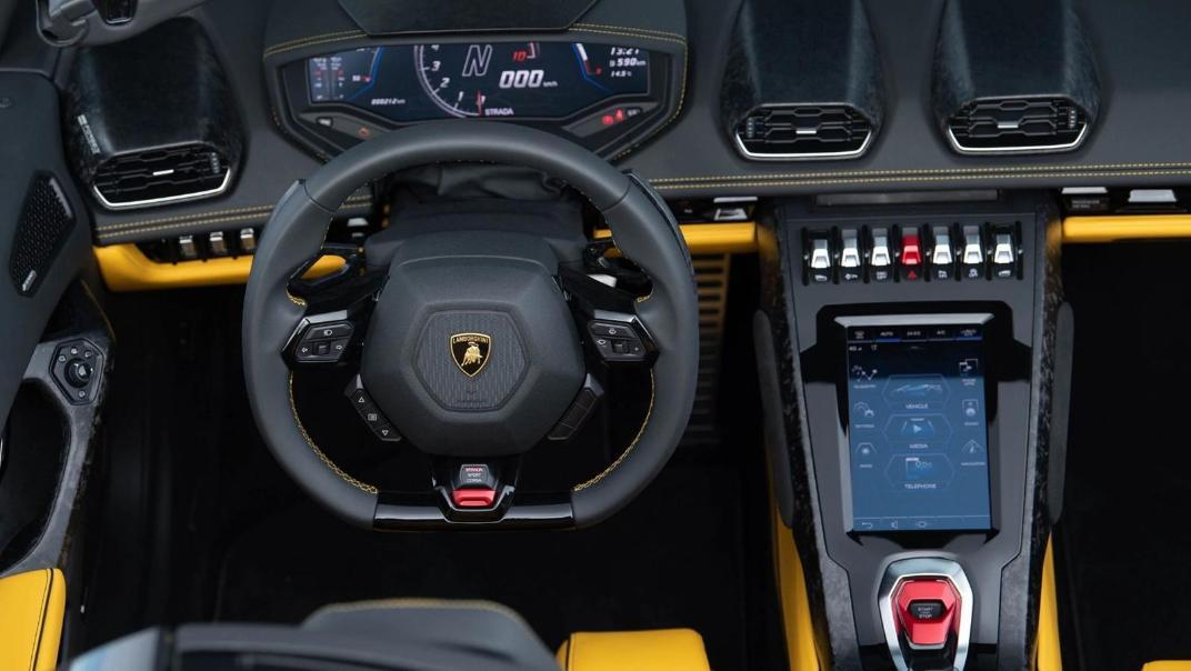 Lamborghini Huracán (2019) Interior 017