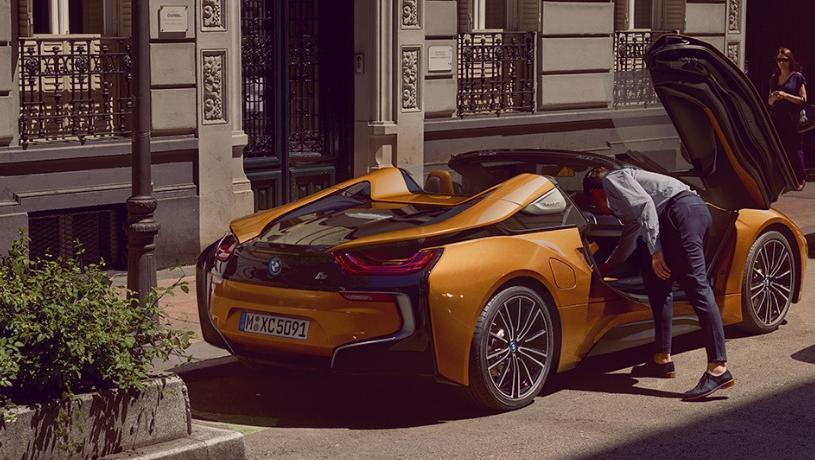 BMW i8 Roadster (2018) Exterior 009