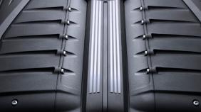 Bentley Bentayga (2018) Exterior 001