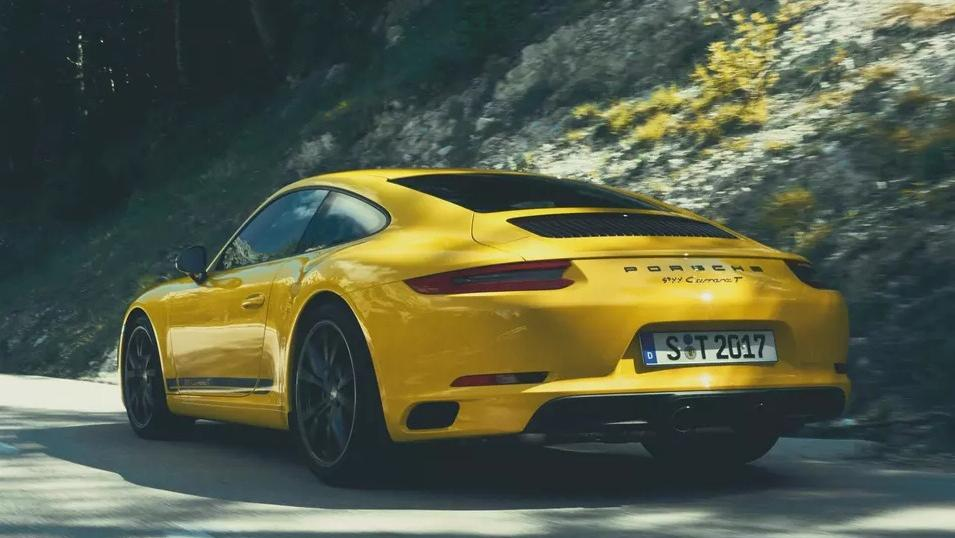 2018 Porsche 911 Carrera T Exterior 005