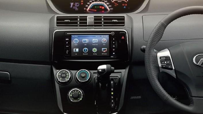 Perodua Alza (2018) Interior 003