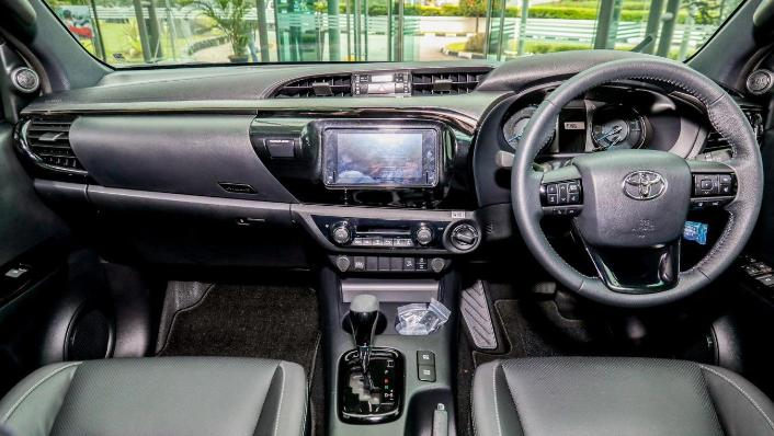 2020 Toyota Hilux Double Cab 2.8 Rogue AT 4X4 Interior 001