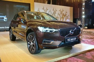2020 Volvo XC60 T8 in Malaysia gets bigger 11.6 kWh battery and new crystal gear knob, price remains