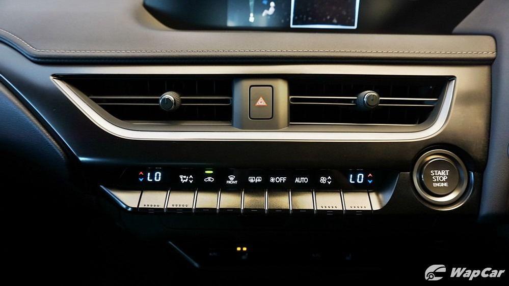 2020 Lexus UX 200 Urban Interior 014