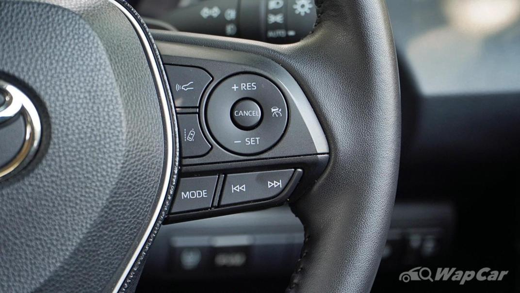 2020 Toyota Corolla Altis 1.8E Interior 007