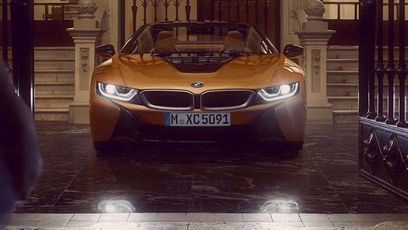 BMW i8 Roadster (2018) Exterior 001