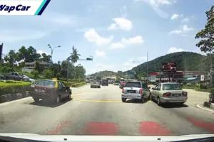 VIDEO: Makcik bawang kepoh Perodua Kelisa langgar Proton Wira depan mata