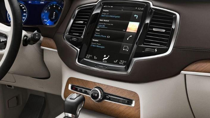 Volvo XC90 (2018) Interior 006