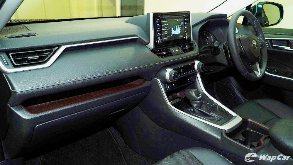 2020 Toyota RAV4 2.5L Interior 035