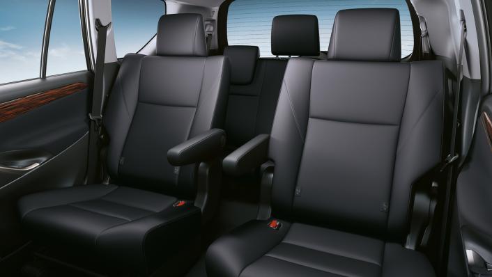 2021 Toyota Innova 2.0 X (AT) Interior 003
