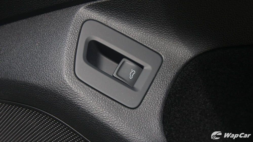 2018 Volkswagen Passat 2.0 TSI Highline Interior 042
