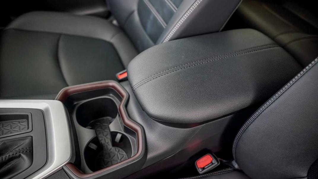 2020 Toyota RAV4 2.5L Interior 021