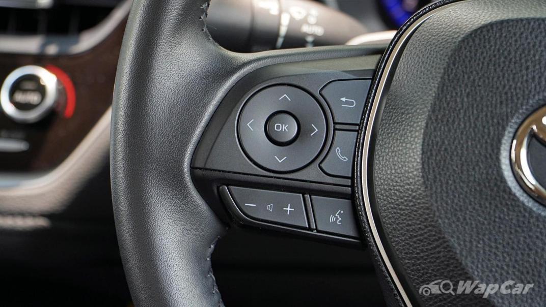 2020 Toyota Corolla Altis 1.8E Interior 006