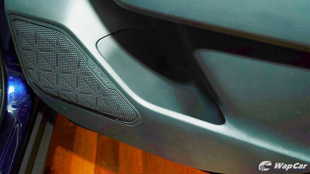 2020 Toyota RAV4 2.5L Interior 117