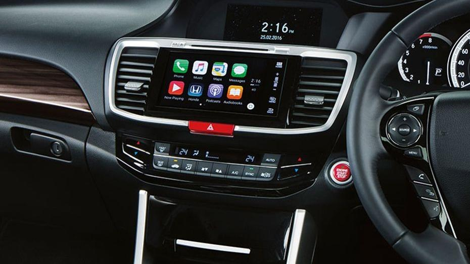 Honda Accord (2018) Interior 006