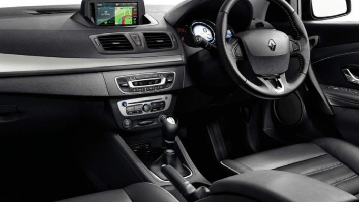 Renault Fluence (2019) Interior 004