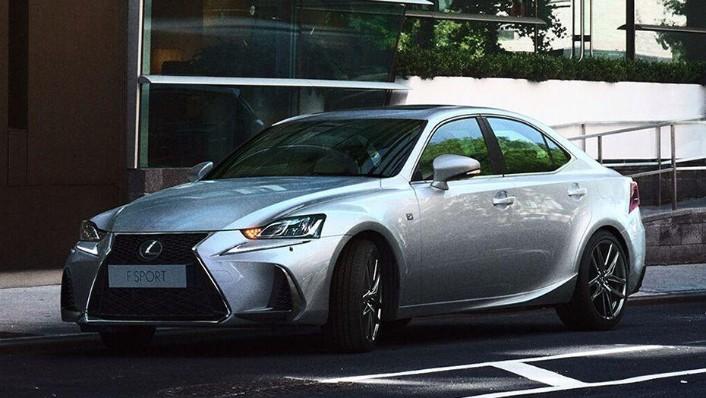 Lexus IS (2018) Exterior 001