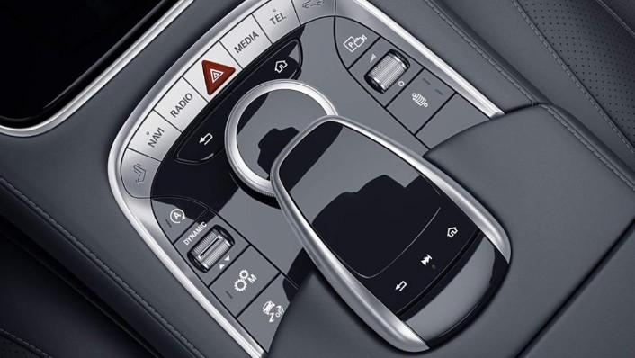 Mercedes-Benz S-Class Cabriolet (2018) Interior 007