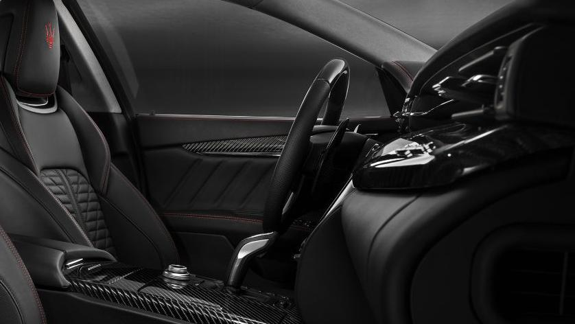 Maserati Quattroporte (2019) Interior 010
