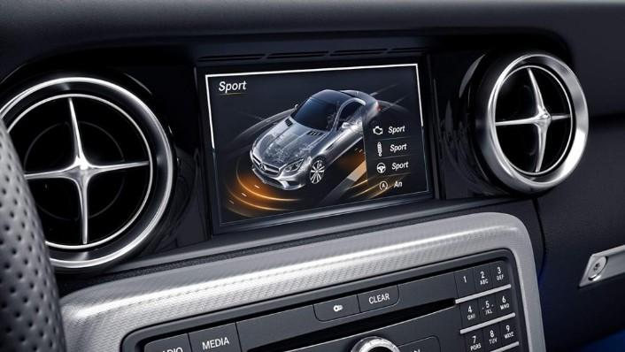 Mercedes-Benz SLC (2018) Interior 004