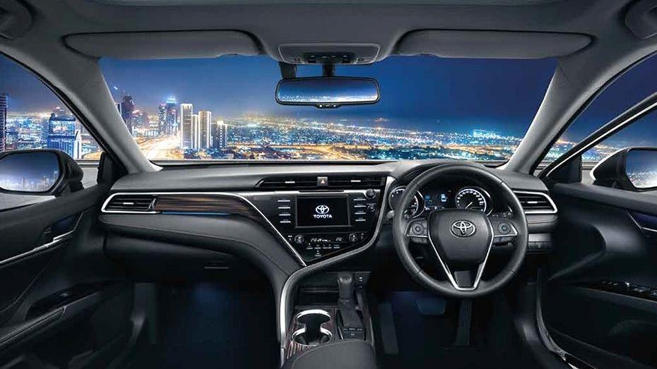 Toyota Camry (2019) Interior 001