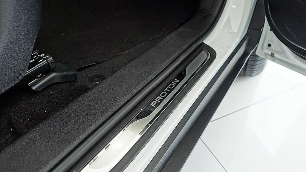 2018 Proton X70 1.8 TGDI Executive AWD Interior 062
