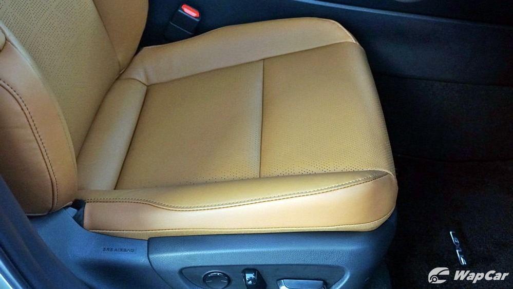 2020 Lexus UX 200 Luxury Interior 056