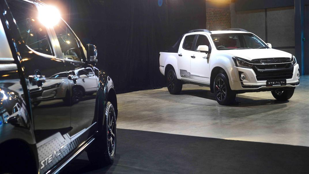 2020 Isuzu D-Max Stealth 1.9L 4×4 AT Exterior 036