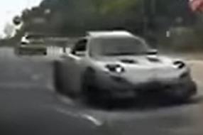 FD Mazda RX-7 tries to show who the real Keisuke is, spins instead
