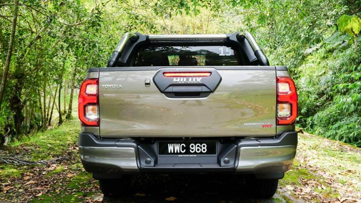 2020 Toyota Hilux Double Cab 2.8 Rogue AT 4X4 Exterior 006