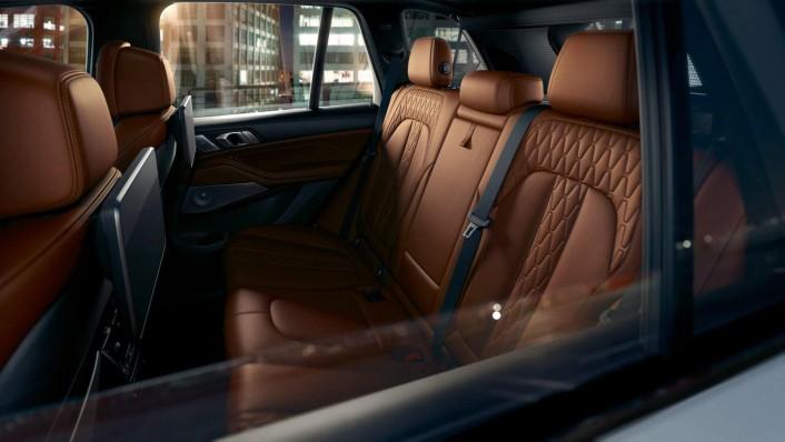BMW X5 (2019) Interior 002