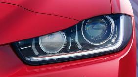 Jaguar XE (2017) Exterior 008