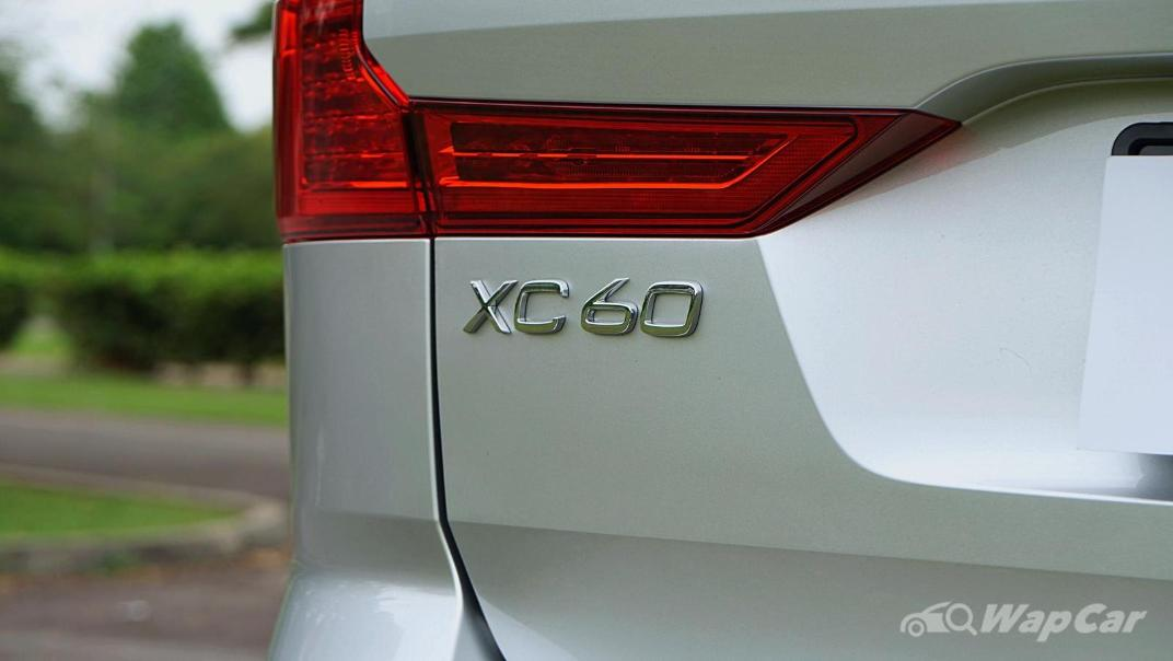 2020 Volvo XC60 T8 Twin Engine Inscription Plus Exterior 024