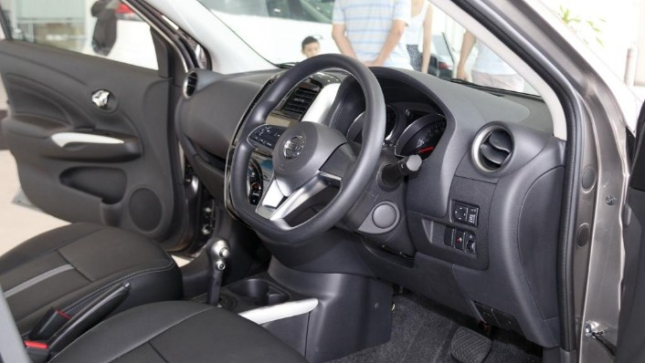 2018 Nissan Almera 1.5L VL AT Interior 002