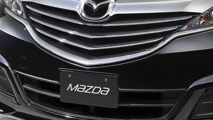 Mazda Biante (2017) Exterior 004
