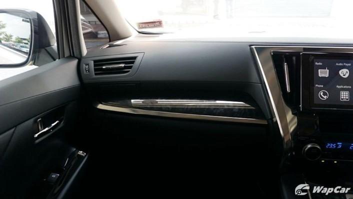 2020 Toyota Vellfire 2.5 Interior 003