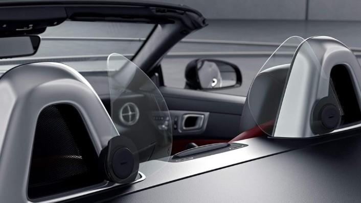 Mercedes-Benz SLC (2018) Interior 009