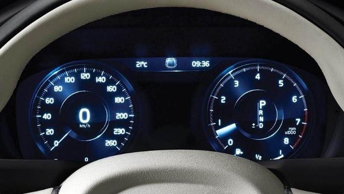 Volvo XC90 (2018) Interior 004