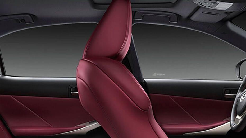 Lexus IS (2018) Interior 011