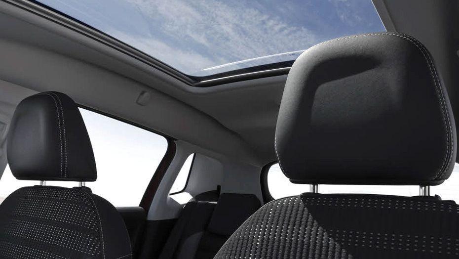 Peugeot 2008 (2018) Interior 006
