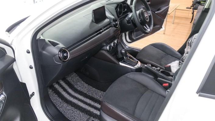 2018 Mazda 2 Hatchback 1.5 Hatchback GVC with LED Lamp Interior 003
