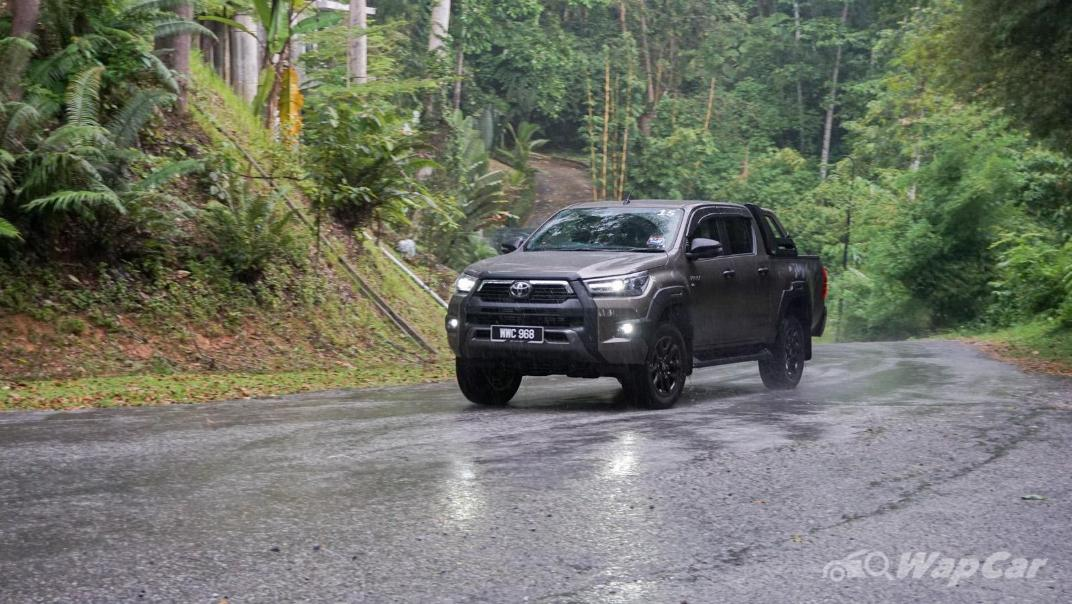 2020 Toyota Hilux Double Cab 2.8 Rogue AT 4X4 Exterior 094