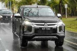 Next-gen Nissan Navara to be a rebadged Mitsubishi Triton, Outlander to be X-Trail's twin